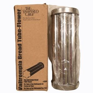 NIP Pampered Chef Valtrompia Bread Flower Tube